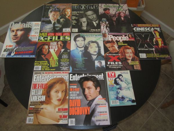 X-Files collection of 11 different 1995 1996 1997 magazines (Gillian Anderson David Duchovny)