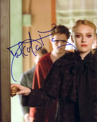 Dakota Fanning autographed Twilight New Moon 8x10 photo