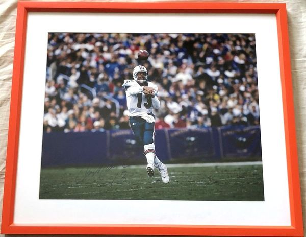 Dan Marino autographed Miami Dolphins 16x20 poster size photo matted and framed