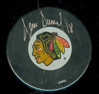 Denis Savard autographed Chicago Blackhawks puck