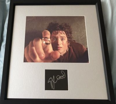 Elijah Wood autograph matted and framed with Lord of the Rings 8x10 movie photo