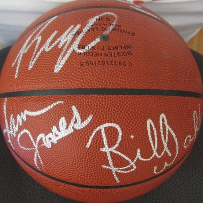 Elvin Hayes Sam Jones Bob Pettit Oscar Robertson Bill Walton autographed NBA basketball