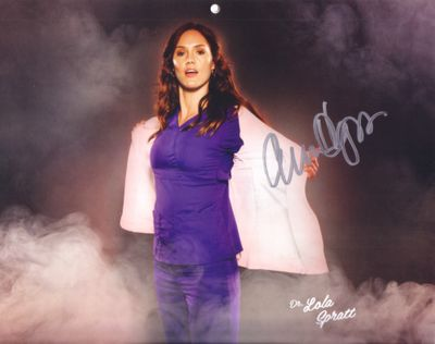 Erinn Hayes autographed Childrens Hospital calendar 8x10 photo