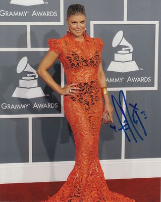 Fergie autographed Grammy Awards 8x10 red carpet photo