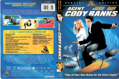 Frankie Muniz autographed Agent Cody Banks movie DVD cover insert