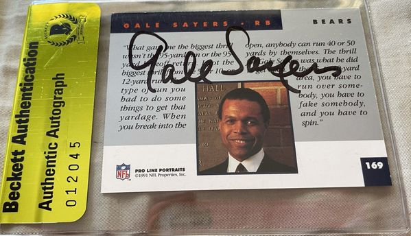 Gale Sayers autographed Chicago Bears 1991 Pro Line card (BAS authenticated)
