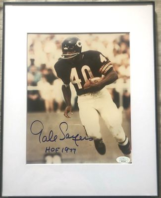 Gale Sayers autographed Chicago Bears 8x10 photo inscribed HOF 1977 matted and framed (JSA)