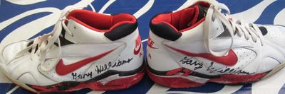 Gary Williams autographed 1994-95 Maryland Terrapins practice worn Nike Air Flight basketball shoes