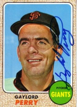 Gaylord Perry autographed San Francisco Giants 1968 Topps card