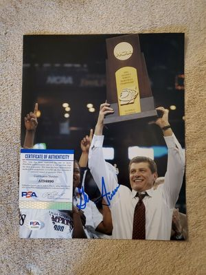 Geno Auriemma autographed UConn Huskies 2004 NCAA Championship 8x10 celebration photo (PSA/DNA)