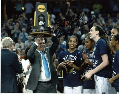 Geno Auriemma autographed UConn Huskies 2015 NCAA Championship 8x10 photo inscribed Best Wishes