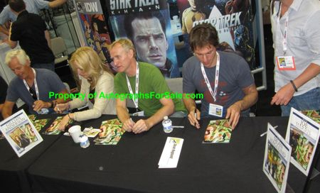 Gillian Anderson Chris Carter Dean Haglund autographed X-Files Season 10 comic book