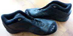Grant Hill autographed Orlando Magic game worn black Fila basketball shoes