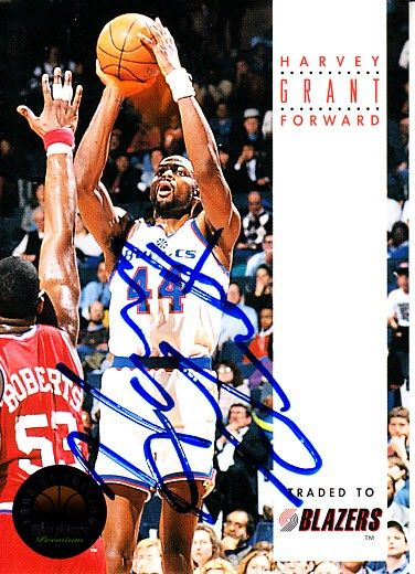 Harvey Grant autographed Washington Bullets 1993-94 SkyBox card