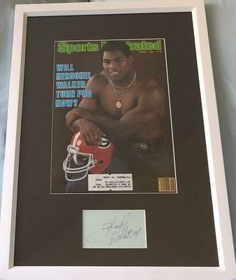 Herschel Walker autographed index card framed with Georgia Bulldogs 1982 Sports Illustrated cover