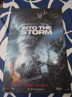 Into the Storm cast autographed 2014 Comic-Con exclusive mini movie poster (Sarah Wayne Callies Nathan Kress Matt Walsh)