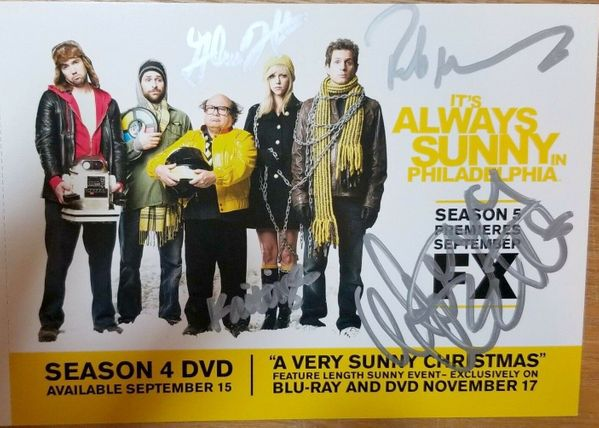 It's Always Sunny in Philadelphia cast autographed 2009 Comic-Con 5x7 photo card (Danny DeVito Glenn Howerton Rob McElhenney Kaitlin Olson)
