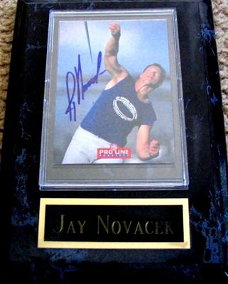 Jay Novacek certified autograph Dallas Cowboys 1993 Pro Line Profiles card in plaque with nameplate