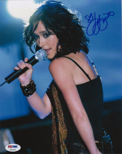 Jennifer Love Hewitt autographed sexy 8x10 photo (PSA/DNA)