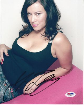 Jennifer Tilly autographed sexy 8x10 photo (PSA/DNA)