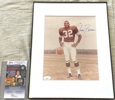 Jim Brown autographed Cleveland Browns 8x10 photo matted and framed (JSA)