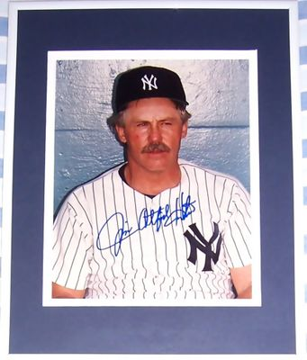 Jim (Catfish) Hunter autographed New York Yankees 8x10 photo matted & framed