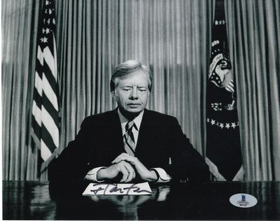 Jimmy Carter autographed horizontal 8x10 black and white photo (BAS authenticated)