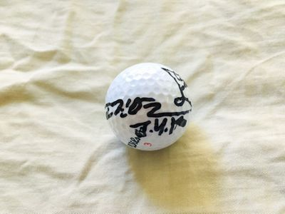 Jin Young Ko autographed Wilson golf ball