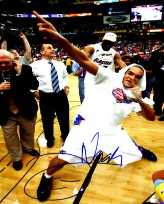 Joakim Noah autographed Florida Gators 2007 NCAA Championship 8x10 celebration photo