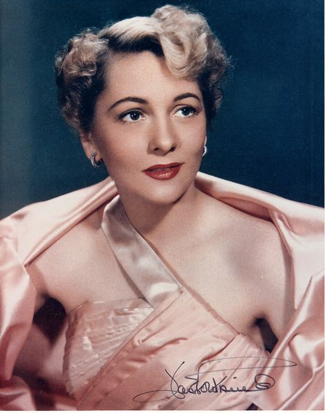 Joan Fontaine autographed 8x10 vintage portrait photo (PSA/DNA)