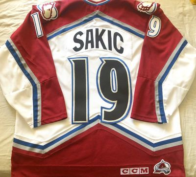 Joe Sakic Colorado Avalanche 1990s authentic CCM stitched white jersey NEW
