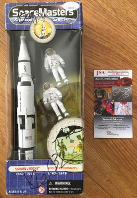 Kevin Bacon Tom Hanks Gary Sinise autographed Apollo 13 SpaceMasters toy rocket JSA