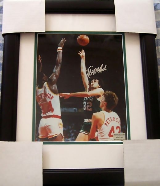 Kevin McHale autographed Boston Celtics 8x10 photo double matted and framed