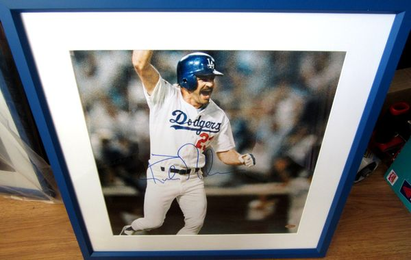 Kirk Gibson autographed Los Angeles Dodgers 1988 World Series HR photo matted and framed (Steiner)