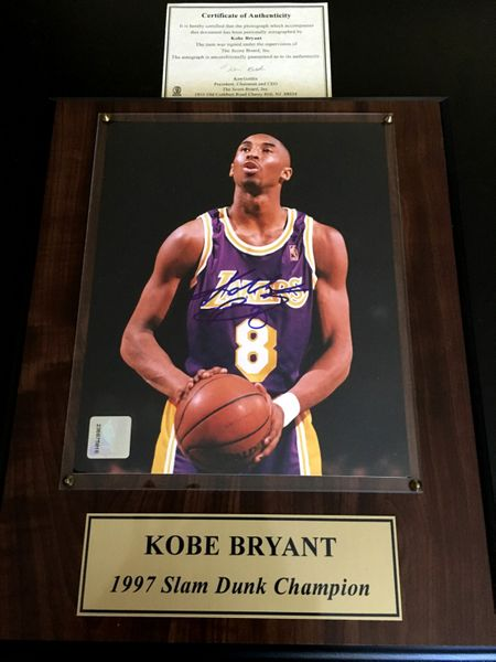 Kobe Bryant autographed Los Angeles Lakers 8x10 photo in 1997 Slam Dunk Champion plaque