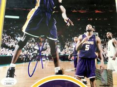 Kobe Bryant autographed Los Angeles Lakers 8x10 photo matted and framed (JSA)