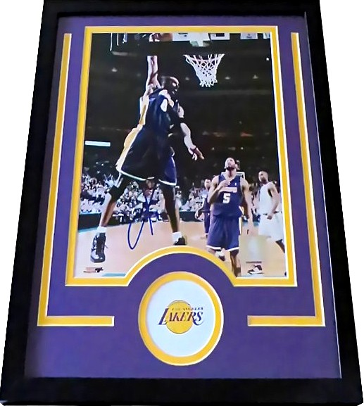 4b9a7df8a24 Kobe Bryant autographed Los Angeles Lakers 8x10 photo matted   framed
