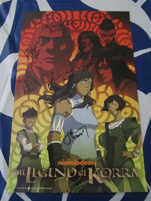 Legend of Korra cast autographed 2014 Comic-Con poster (David Faustino Janet Varney)