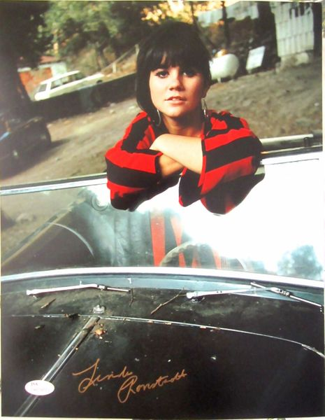 Linda Ronstadt autographed 11x14 photo in a convertible (JSA Witnessed)