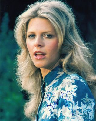 Lindsay Wagner autographed 8x10 photo