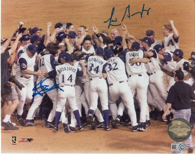 Luis Gonzalez & Steve Finley autographed Arizona Diamondbacks 2001 World Series celebration 8x10 photo