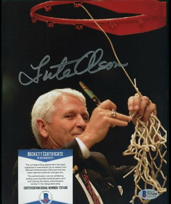 Lute Olson autographed Arizona Wildcats 1997 National Championship 8x10 photo (BAS authenticated)