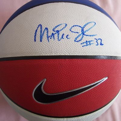 Magic Johnson autographed Nike red white and blue basketball (Superstar Greetings)