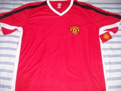 Manchester United replica red jersey XXL NEW WITH TAGS