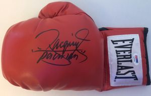 Manny Pacquiao autographed Everlast boxing glove (PSA/DNA)