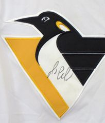 Mario Lemieux autographed Pittsburgh Penguins authentic Starter stitched white jersey (signed on front)