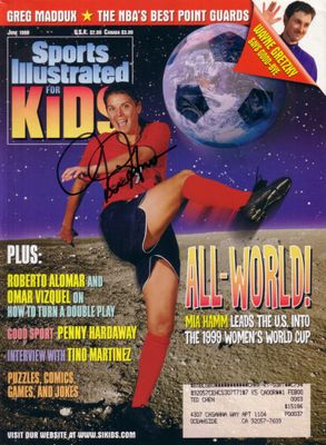 Mia Hamm autographed U.S. Soccer 1999 Women's World Cup Sports Illustrated for Kids magazine (Steiner)
