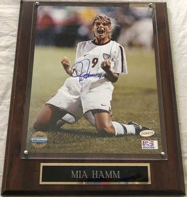 Mia Hamm autographed US Soccer 8x10 photo in plaque with engraved nameplate (Steiner)