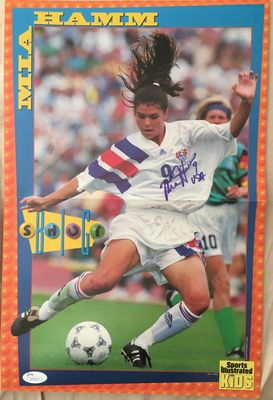 Mia Hamm autographed US Soccer 1995 Sports Illustrated for Kids mini poster with old full name signature (JSA)