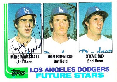 Mike Marshall autographed Los Angeles Dodgers 1982 Topps Rookie Card